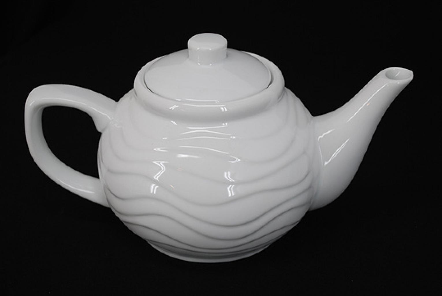 White Ceramic Serving Teapot gi581