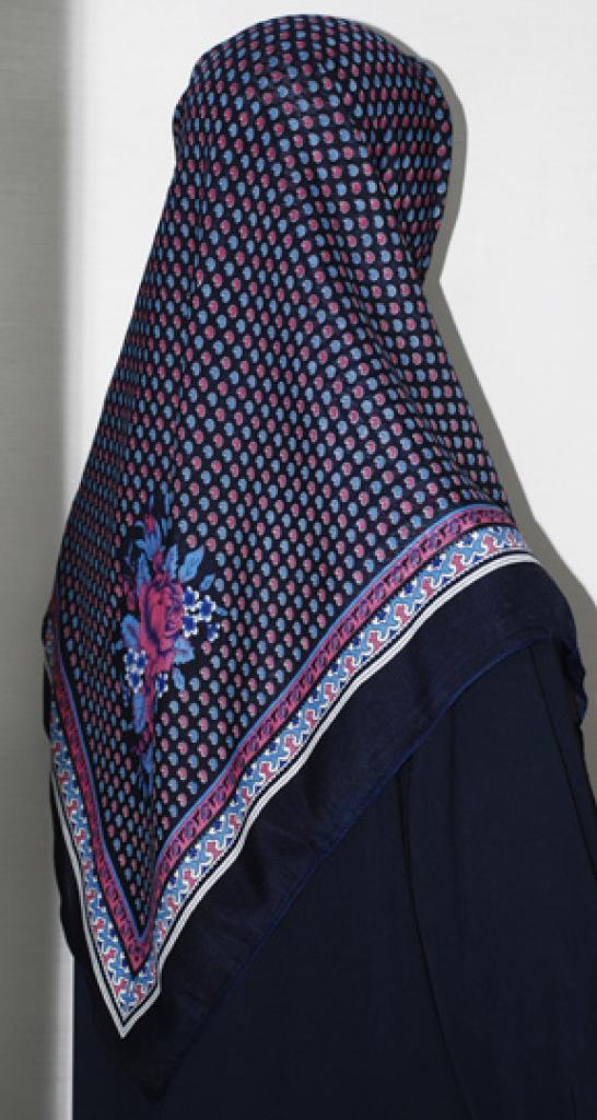 Floral Printed Cotton Square Hijab hi1673