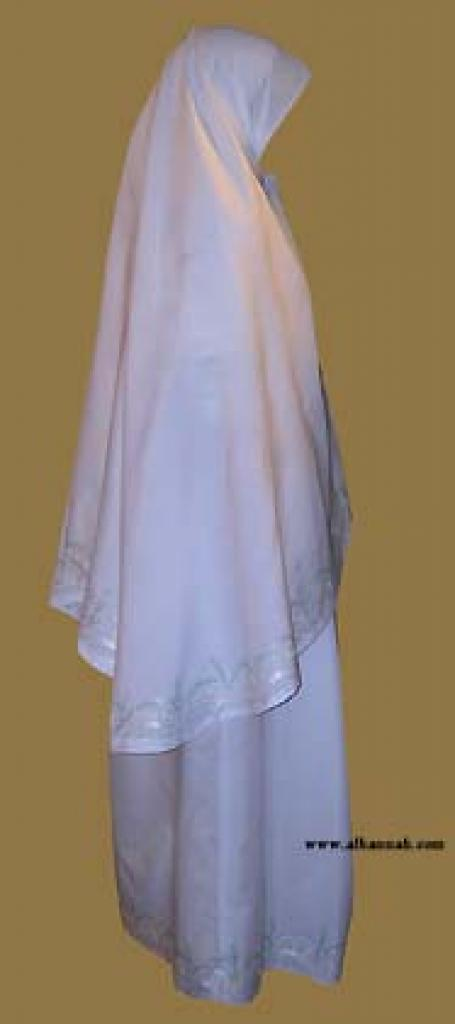 Prayer Set Trimmed with Pastel Embroidery  ps314