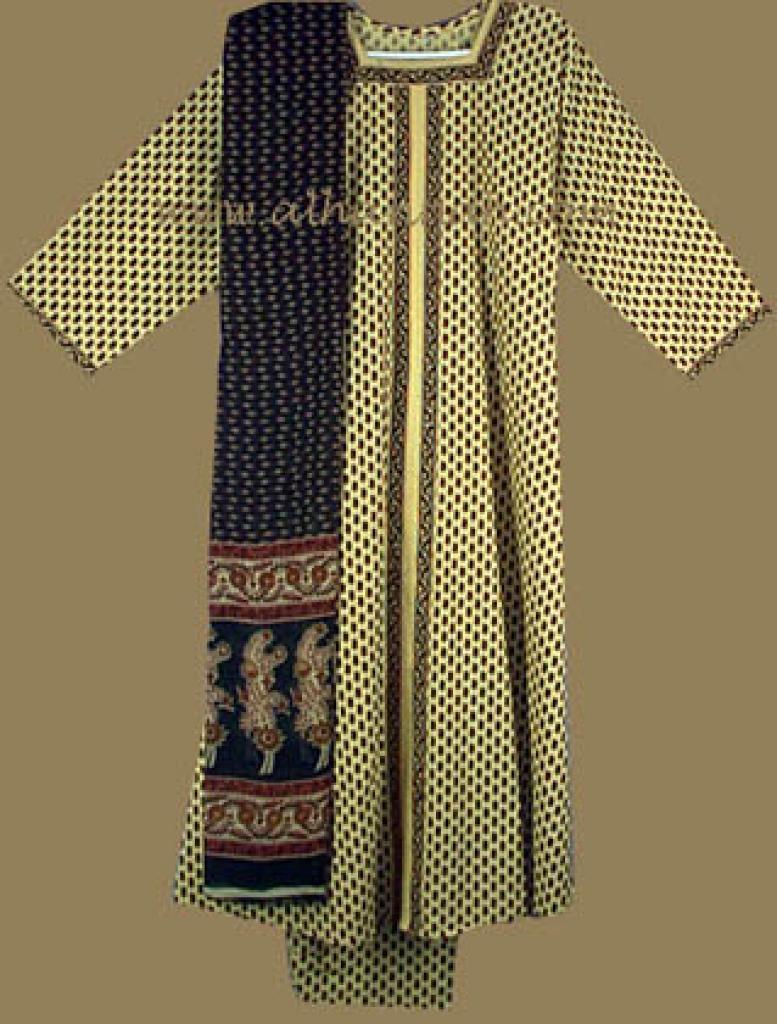 Black /Red and Gold Floral Print Salwar Kameez sk452