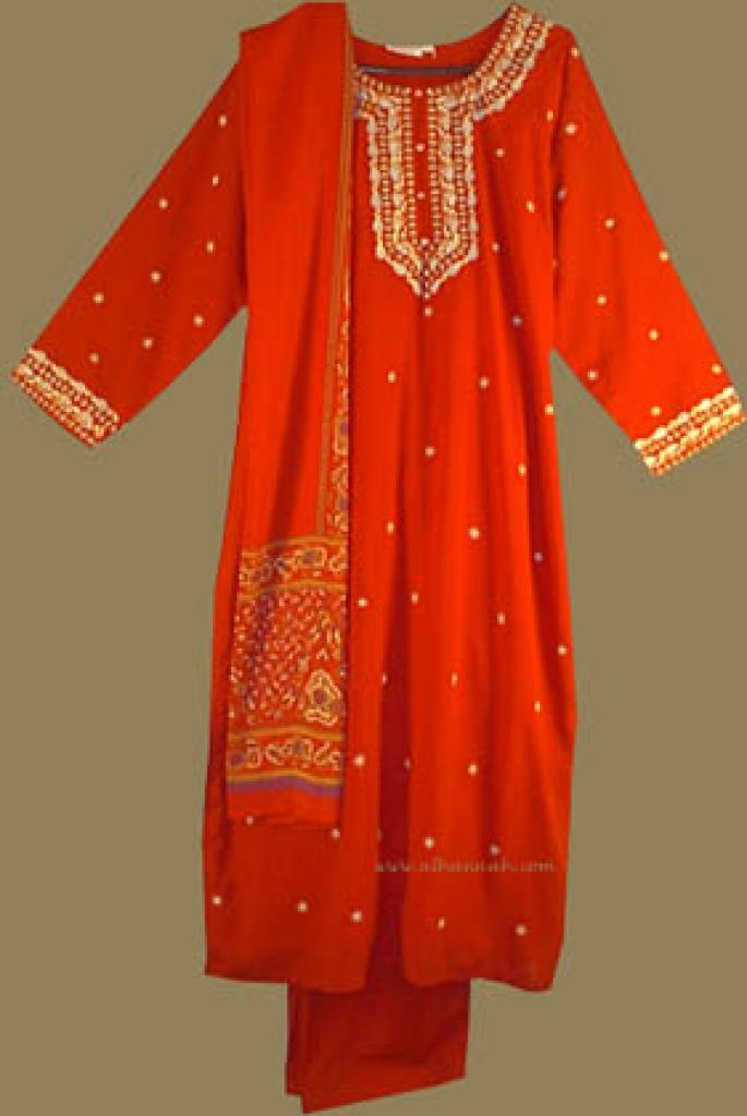 Traditional Embroidered Salwar Kameez sk527