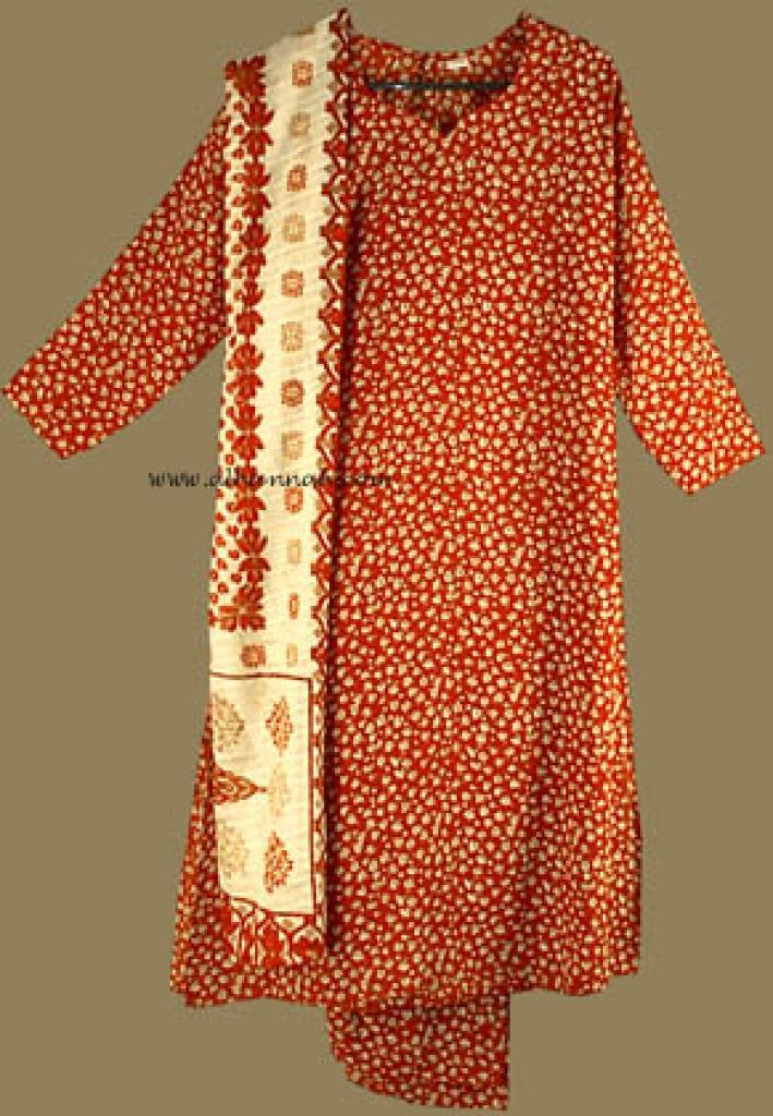 Traditional Floral Print Salwar Kameez   sk571