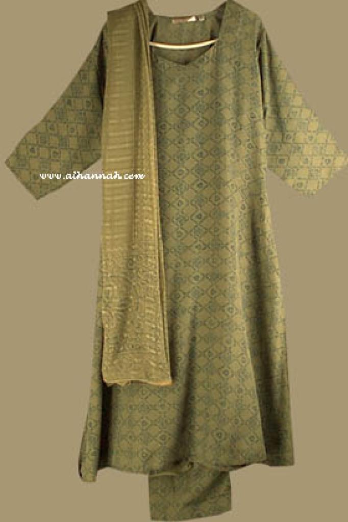 Traditional Print Salwar Kameez   sk635