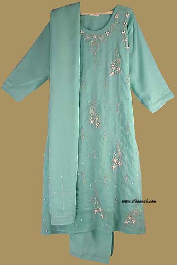 Beaded and Embroidered Chiffon Salwar Kameez.    sk695