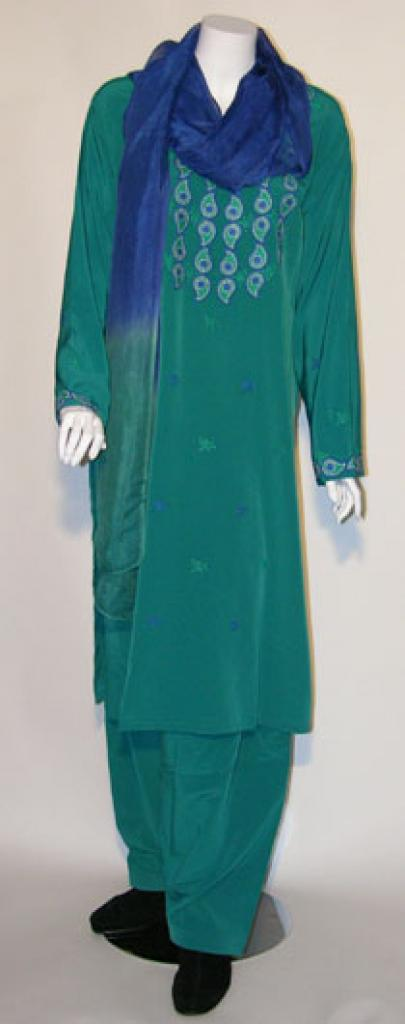 Embroidered Salwar Kameez sk961