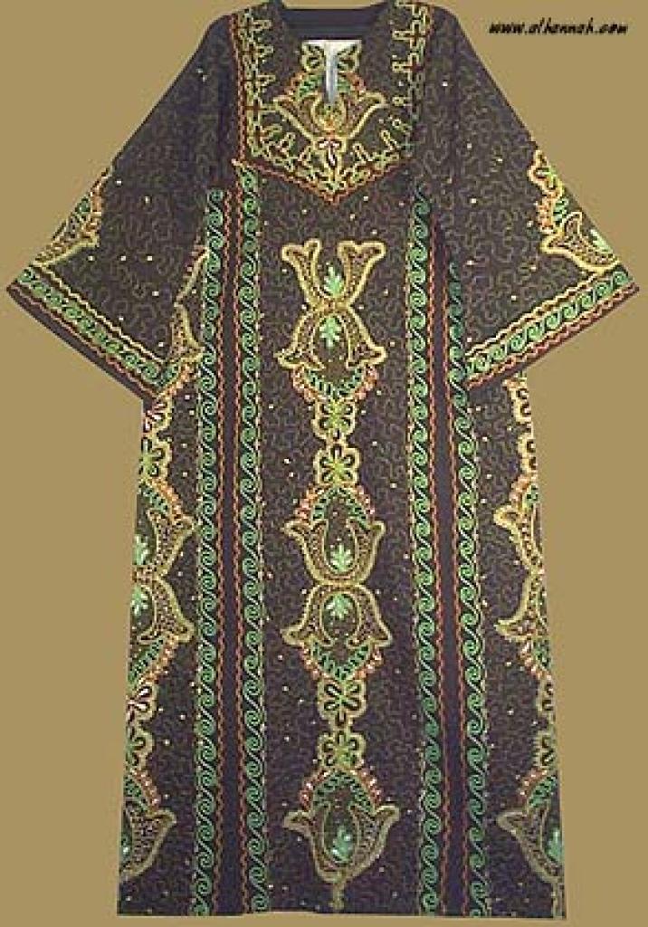 Jordanian Queen's Dress   th543
