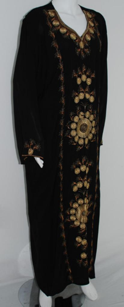 Traditional Embroidered Saudi pull-over Thobe th640