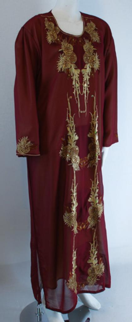 Traditional Embroidered Saudi pull-over Thobe   th652