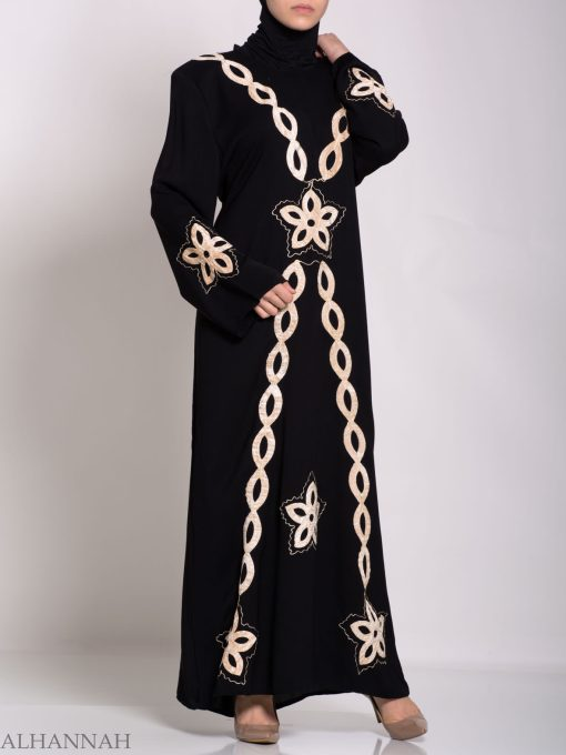 Traditional Egyptian Thobe with Contrasting Applique th729 (10)