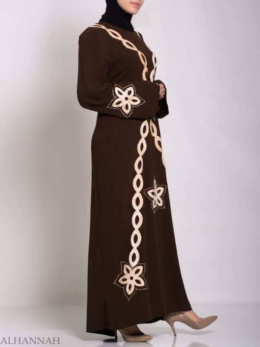 Traditional Egyptian Thobe with Contrasting Applique th729 (3)