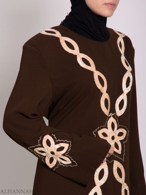Traditional Egyptian Thobe with Contrasting Applique th729 (8)