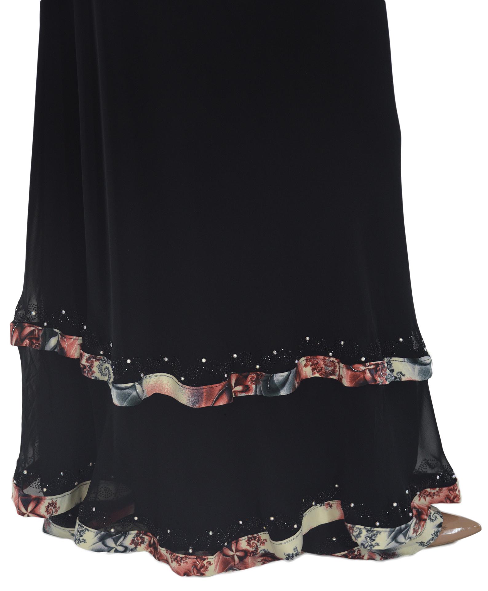 Nousha - Black and Tan Chic Abaya Close up 2