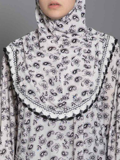 Falling Paisley PRayer Outfit Closeup